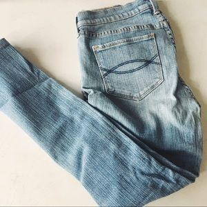 abercrombie • maddy light wash mom jeans